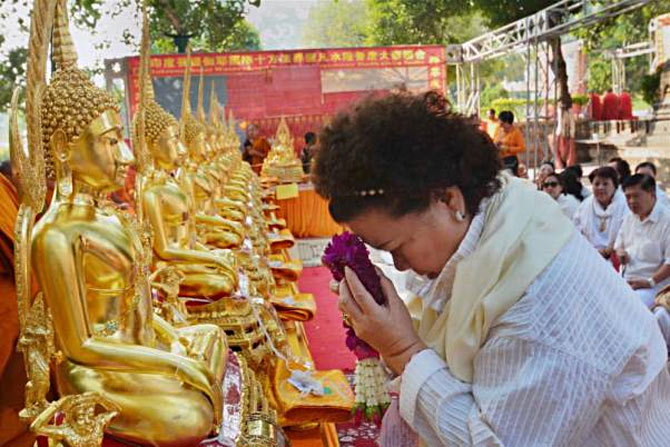 Lockdown: Buddhist tourists unable to leave Bodh Gaya